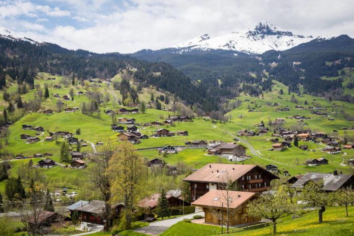 Ile zarabia opiekunka osób starszych w Szwajcarii